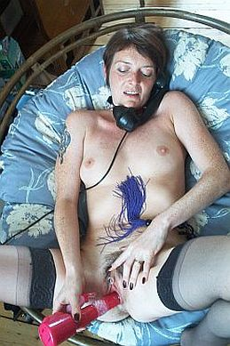 UK Slutty Housewife Phone Sex Line